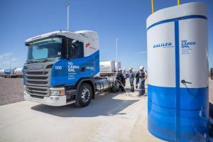 Comienzan a circular en el país camiones impulsados por GNL
